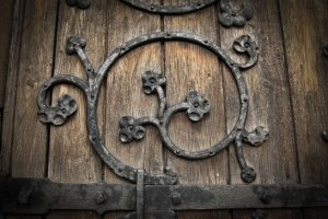 church-door-13625699850gY
