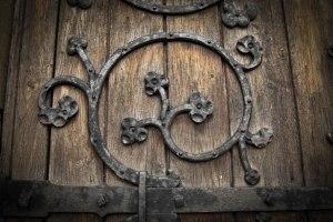 church-door-13625699850gY