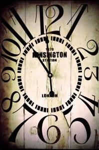 old-clock-1360235776V0z